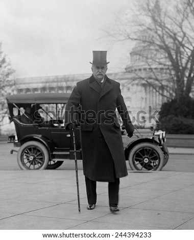 J. Pierpoint Morgan 1837-1913 American financier arriving at the government Banking and Currency Committee investigation in 1912. - stock photo