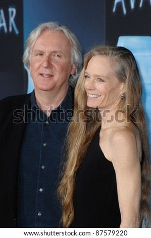 """James Cameron & wife Suzy Amis at the Los Angeles premiere of his new movie """"Avatar"""" at Grauman's Chinese Theatre, Hollywood. December 16, 2009  Los Angeles, CA Picture: Paul Smith / Featureflash - stock photo"""