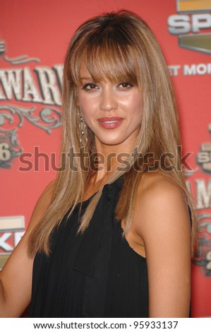 JESSICA ALBA - winner of Sexiest Superhero award - at the Spike TV Scream Awards 2006 at the Pantages Theatre, Hollywood. October 7, 2006  Los Angeles, CA Picture: Paul Smith / Featureflash - stock photo