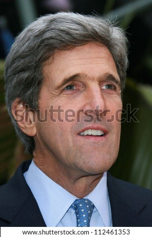 "John Kerry at an instore event to promote the new book ""This Moment on Earth"". Duttons Brentwood, Los Angeles, CA. 04-04-07 - stock photo"