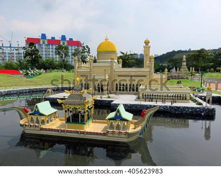 JOHOR MALAYSIA  - NOVEMBER 11:  beautiful royal mosque is located in Bandar Seri Begawan, Brunei LEGOLAND MINILAND Malaysia Theme Park November 11, 2014  in Johor, Malaysia - stock photo