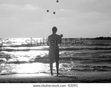 Juggling on the beach 