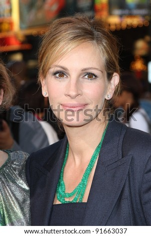 """Julia Roberts at the """"Larry Crowne"""" World Premiere, Chinese Theater, Hollywood, CA. 06-27-11 - stock photo"""