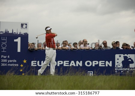 KENT ENGLAND, 27 MAY 2009. Lee WESTWOOD (GBR) teeing off on the first tee playing in the first round of the European Tour European Open golf tournament.  - stock photo