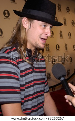 KID ROCK at the VH-1 Big in 2002 Awards in Los Angeles. 04DEC2002   Paul Smith / Featureflash - stock photo