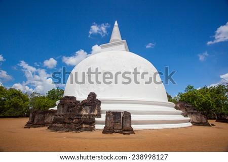 Kiriwehera dagabo Stupa, Polonnaruwa, Sri Lanka - stock photo