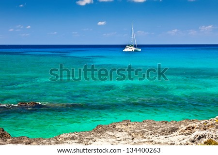 Large catamaran sailing in Grand Cayman, Cayman Islands - stock photo