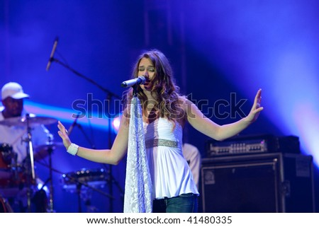 LJUBLJANA, SLOVENIA - SEPTEMBER 4: Pop singer Joss Stone live on Vesolje veselja concert September 4, 2009 in Ljubljana, Slovenia. - stock photo