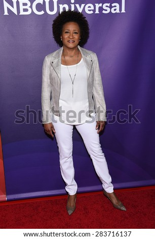 LOS ANGELES - APR 02:  Wanda Sykes arrives to the NBCUniversal's Summer Press Day 2015  on April 02, 2015 in Hollywood, CA                 - stock photo