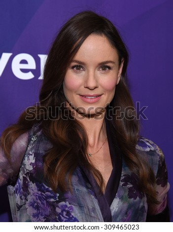 LOS ANGELES - AUG 12:  Sarah Wayne Callies arrives to the arrives to the Summer 2015 TCA's - NBCUniversal  on August 12, 2015 in Beverly Hills, CA                 - stock photo