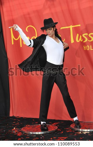 LOS ANGELES, CA - AUGUST 27, 2009: Michael Jackson's new $300,000 wax figure was unveiled today at Madame Tussauds Hollywood. - stock photo