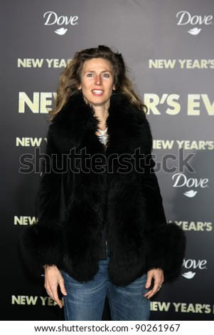 """LOS ANGELES - DEC 5:  Sophie B. Hawkins arrives at the """"New Year's Eve"""" World Premiere at Graumans Chinese Theater on December 5, 2011 in Los Angeles, CA - stock photo"""