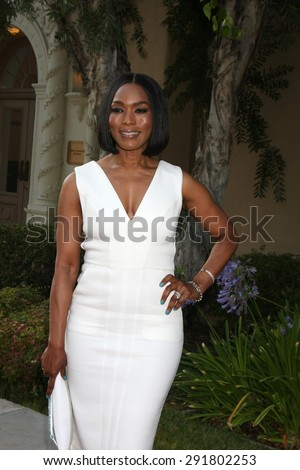 """LOS ANGELES - JUN 11:  Angela Bassett at the """"American Horror Story: Freak Show"""" Screening at the Paramount Theater on June 11, 2015 in Los Angeles, CA - stock photo"""