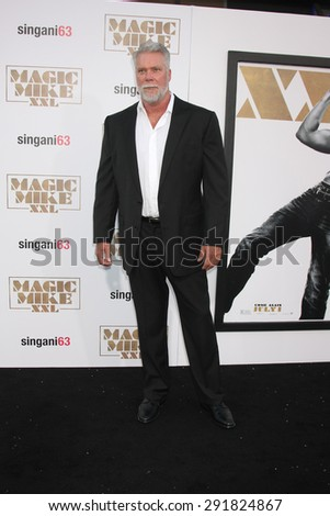 "LOS ANGELES - JUN 25:  Kevin Nash at the ""Magic Mike XXL"" Premiere at the TCL Chinese Theater on June 25, 2015 in Los Angeles, CA