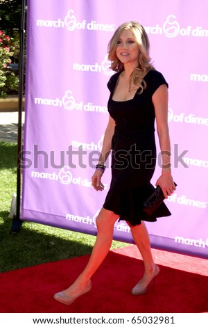 LOS ANGELES - NOV 13:  Sarah Chalke arrives at the 5th March of Dimes Celebration of Babies Luncheon at Four Seasons Hotel on November 13, 2010 in Los Angeles, CA - stock photo