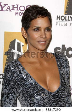 LOS ANGELES - OCT 25:  Halle Berry arrives at the 14th Annual Hollywood Awards Gala at Beverly Hilton Hotel on October 25, 2010 in Beverly Hills, CA - stock photo
