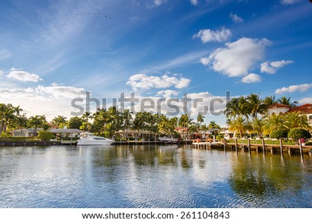Luxurious yacht and waterfront homes in Fort Lauderdale, Florida - stock photo