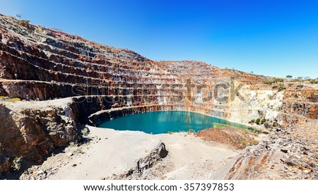 Mary Kathleen mine near Mount Isa now closed Mary Kathleen's uranium deposits originated from contact metasomatic processes - stock photo