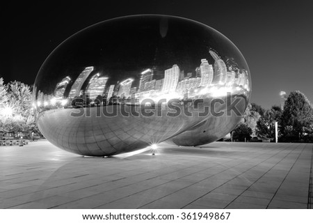 Millennium Park, Chicago. Cloud Gate, also known as the Bean is one of the parks major attractions - stock photo