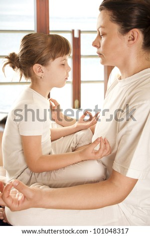 mom end doter do yoga - stock photo