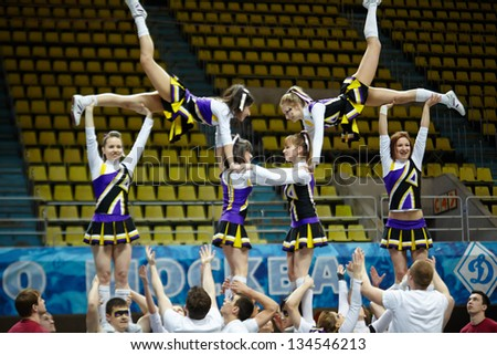 moscow mar 24 boys and girls   Pretty Girl Cheer Stunt