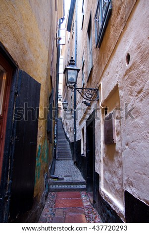 Narrow alley   - stock photo