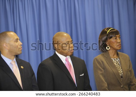 NEW YORK CITY - MARCH 31 2015: mayor de Blasio & senator Charles Schumer held a press conference with Brooklyn elected officials to announce a 3 billion dollar FEMA grant to the NYCHA. Eric Adams - stock photo