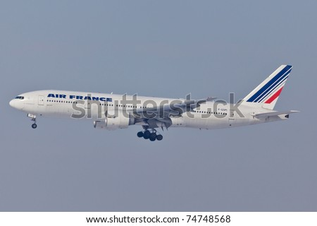 NEW YORK - MAY 22: A330 Air France approaches JFK in New York, USA on May 22, 2010. Air France is rated top 10 biggest airlines in the world and top 3 biggest airlines in Europe - stock photo