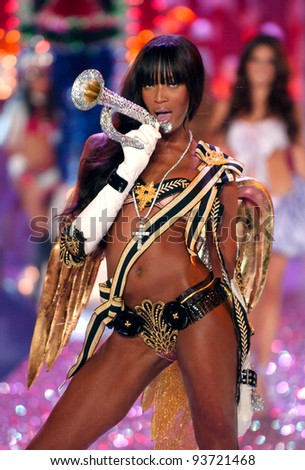 Naomi Campbell Victoria's Secret Fashion Show 2005 new york november victoria