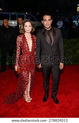 New York, NY  Monday May 04, 2015: Rose Byrne and Bobby Cannavale attend 'China: Through The Looking Glass' Costume Institute Gala, held at the Metropolitan Museum of Art in New York City, New York. - stock photo