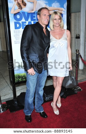 """Nicollette Sheridan & Michael Bolton at the Los Angeles premiere of """"Over Her Dead Body"""" at the Arclight Theatre, Hollywood. January 29, 2008  Los Angeles, CA Picture: Paul Smith / Featureflash - stock photo"""