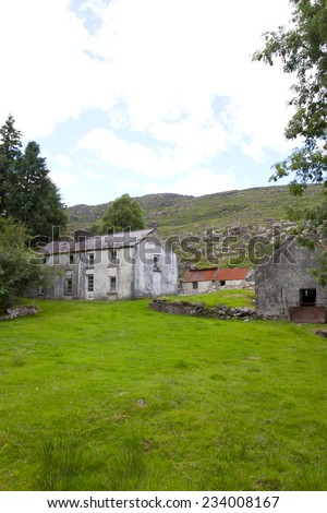 old abandoned farmhouse in the mountains of county Kerry Ireland - stock photo