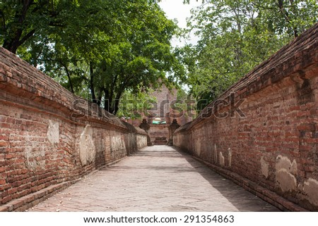 Perspective brick wall. - stock photo