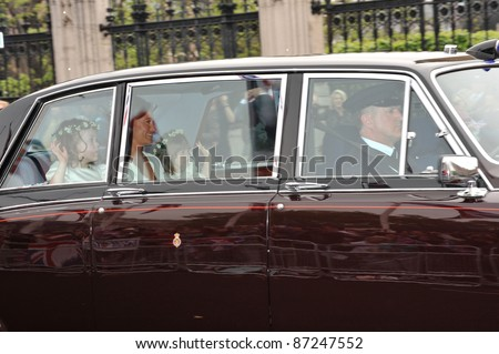 Philippa Middleton & bridesmaids arriving at Westminster Abbey for the royal wedding of Prince William & Kate Middleton. April 29, 2011  London, UK Picture: Paul Smith / Featureflash - stock photo
