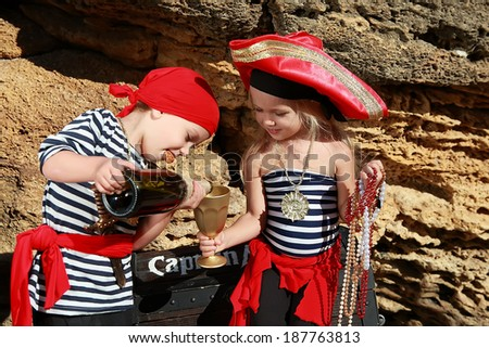 pirates boy and girl - stock photo