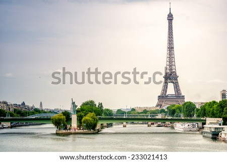 Ponte de Grenelle, Statue of Liberty and Eiffel Tower - Paris, France. - stock photo