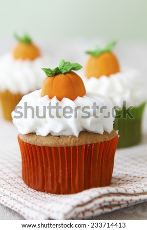 Pumpkin spice cupcakes - stock photo