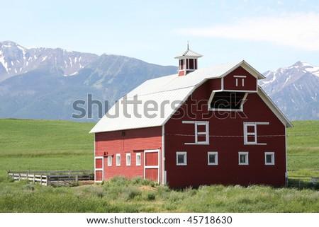 Red Oregon barn - stock photo