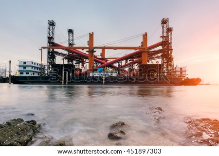 Repair of the oil rig in the shipyard.
