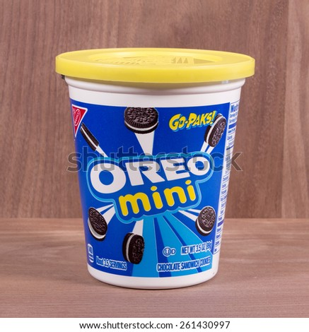 RIVER FALLS,WISCONSIN-MARCH 16,2015: A container of Oreo mini cookies by Nabisco. Nabisco produces Three Hundred and Twenty million pounds of snack foods annually. - stock photo