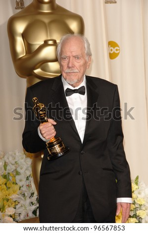 ROBERT ALTMAN at the 78th Annual Academy Awards at the Kodak Theatre in Hollywood. March 5, 2006  Los Angeles, CA  2006 Paul Smith / Featureflash - stock photo