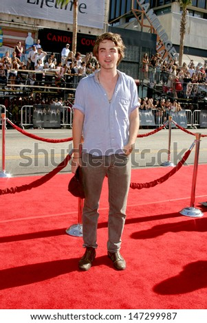 """Robert Pattinson U.S. Premiere of """"Harry Potter and the Order of the Phoenix"""" Grauman's Chinese Theater Los Angeles, CA July 8, 2007 - stock photo"""