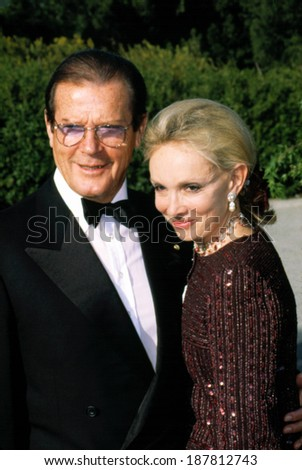 Roger Moore & his Wife at the American Comedy Awards, LA, 4/25/2001  - stock photo