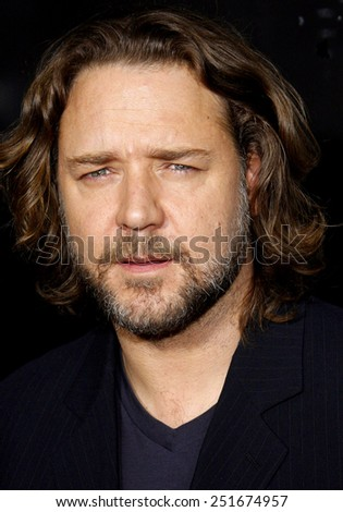 "Russell Crowe attends the LA Industry Screening of ""American Gangster"" held at the Arclight Theater in Hollywood, California, United States on Monday, Oct. 29, 2007.  - stock photo"