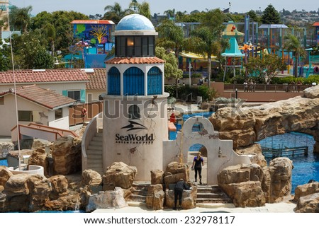 SAN DIEGO, CALIFORNIA, USA - JUNE 3, 2009: View on open aquarium with waiting for the presentation. - stock photo
