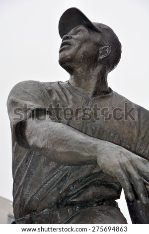 SAN FRANCISCO CA USA APRIL 17 2015: Bronze statue of baseball greatest Baseball Hall of Fame player, Willie Mays. In front the AT&T Giants stadium. - stock photo