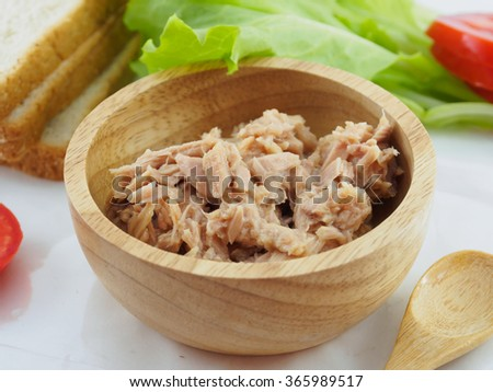Sandwich tuna in bowl  and vegetable - stock photo