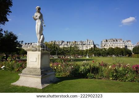 Sculpture and statues in garden of tuileries jardin des tuileries paris france stock photo - Statues jardin des tuileries ...