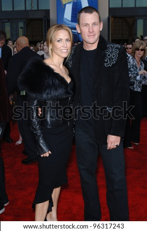 SHERYL CROW & LANCE ARMSTRONG at the 2005 American Music Awards in Los Angeles. November 22, 2005; Los Angeles, CA:    Paul Smith / Featureflash - stock photo