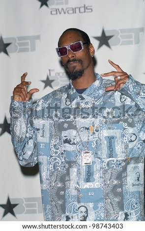 Singer SNOOP DOGG at the first annual BET (Black Entertainment TV) Awards at the Paris Hotel & Casino, Las Vegas. 19JUN2001.   Paul Smith/Featureflash - stock photo